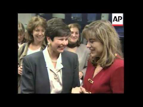 USA: CALIFORNIA: LORETTA SANCHEZ BEATS BOB DORNAN IN ELECTIONS