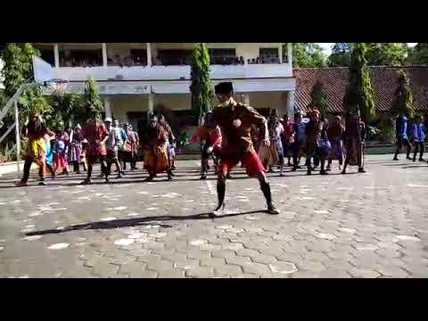 Temon Holic kelas 9D smpn 2 Banjarharjo