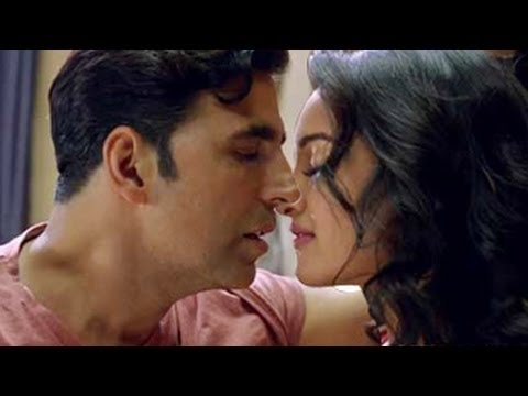 Akshay Kumar & Sonakshi Sinha HOT KISSING SCENE in Holiday Trailer