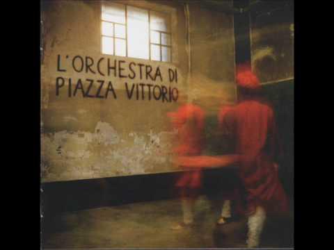 Orchestra di Piazza Vittorio - Intro + Ninderli