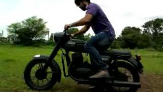 Yezdi classic 250 ( Adils Black Monstor).mp4