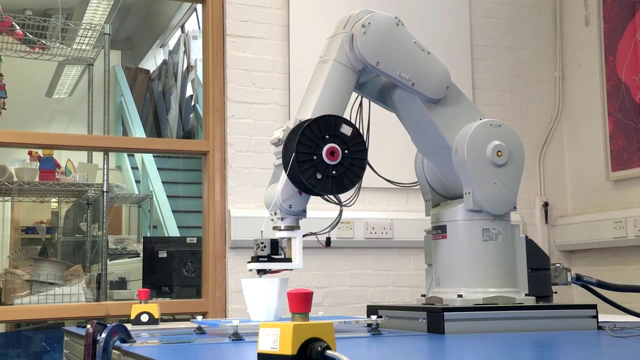 Six-axis robot turns 3D printing into an art form