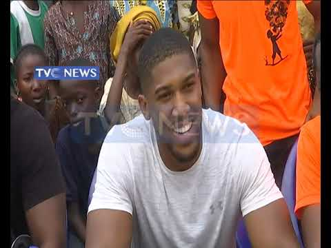 Anthony Joshua visits Makoko community in Lagos