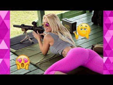 Частное фото девушек с оружием / Подборка на 23 февраля