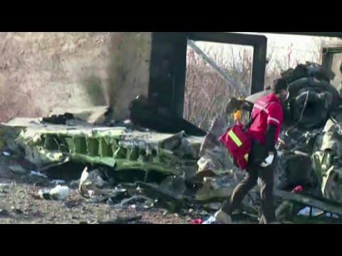 """Американские СМИ публикуют кадры попадания ракеты в украинский """"Боинг""""."""