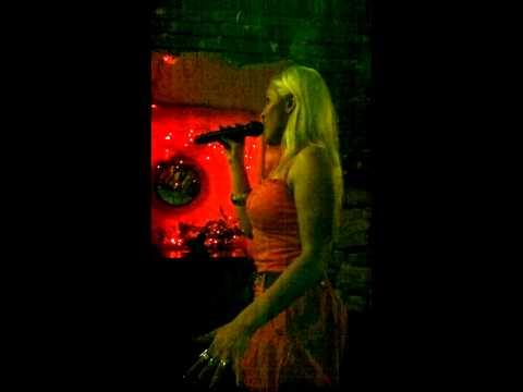 Ewelina Highway to Hell-karaoke La Rocca