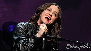 """Alanis Morissette sings """"Ironic"""" at The Apollo"""