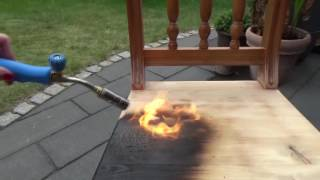 Holz künstlich altern lassen - Teil 2 Abflammen