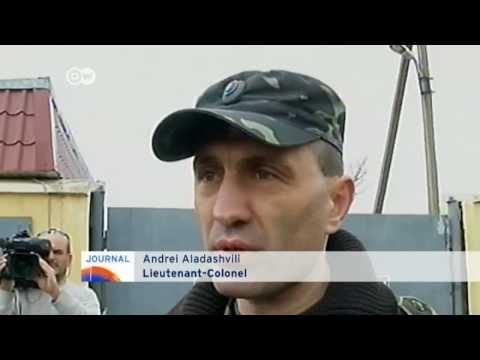 Warning shots block OSCE observers from entering Ukraine's Crimea