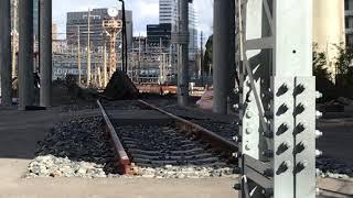 ◆昔の機関車回転台??? 宮原電車区 「一人ひとりの思いを、届けたい JR西日本」◆ thumbnail