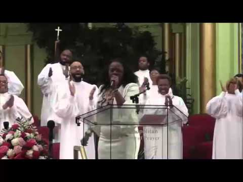 Lady Mildred Trotter  Safe In His Arms & PRAISE BREAK