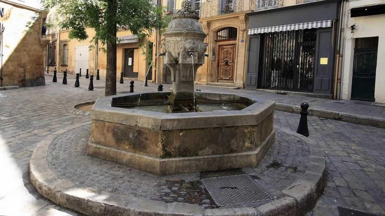 Aix En Provence La Cit Des 100 Fontaines Mp4 Youtube