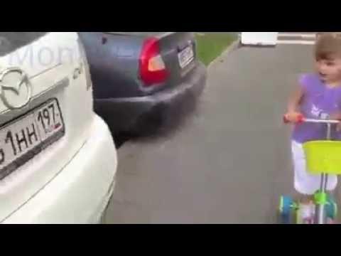 طفله صغيره تعرف كل انواع السيارات ..خبره.. thumbnail
