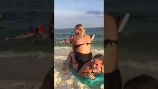 Mom pees on daughter because of a jellyfish sting (hilarious)