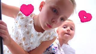 Niños juegan al escondite en trajes invisibles / Nueva serie