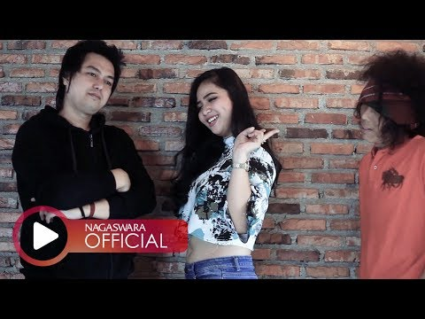 Datuk Band - 1 Hati 2 Cinta (Official Music Video NAGASWARA) #music