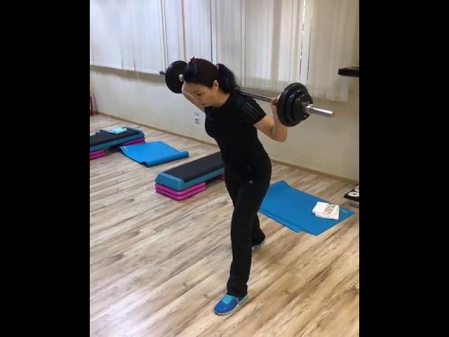 Занимаемся с фитнес-тренером