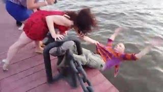 Опасные АРТ танцы у Москва-реки