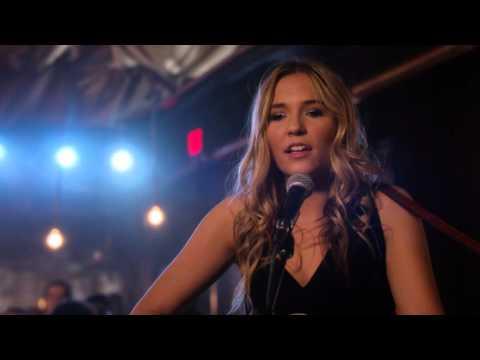 "Lennon Stella (Maddie Conrad) Sings ""Wild Card"" - Nashville"