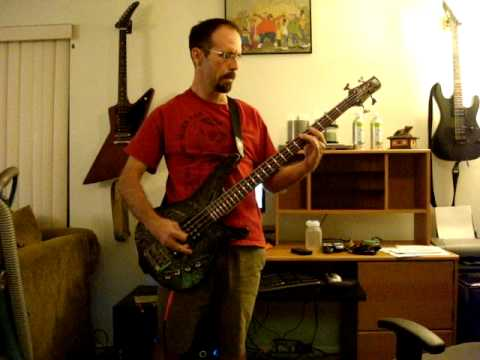 Bush - Everything Zen bass cover with pseudo-tab