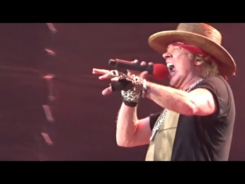 """Axl Rose """"Severely Ill"""" On Stage, Still Performs Guns N' Roses Songs Mp3"""