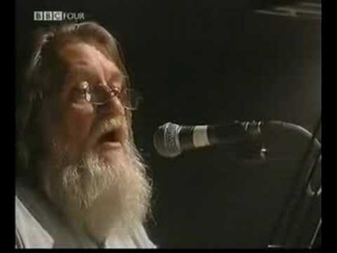 ROBERT WYATT - Sea Song