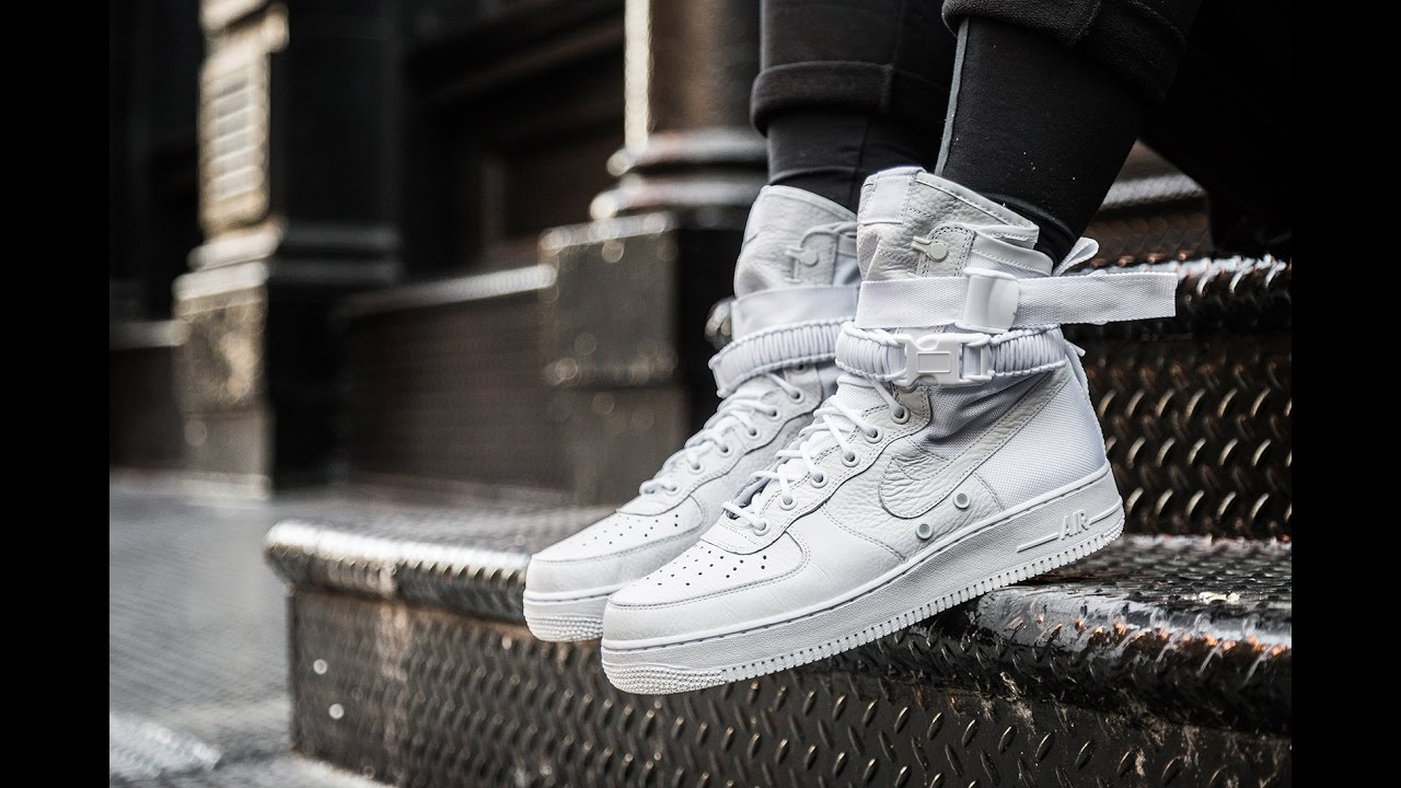 Unboxing Nike Air Force 1 SF Special Field WMNS Light Bone Winter Boots
