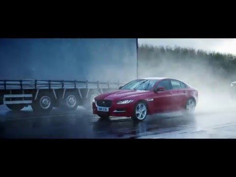 Jaguar | Intelligent All Wheel Drive (AWD)