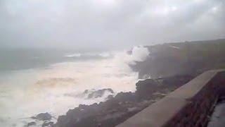 115 mph Tropical Cyclone Gael hitting La Ré