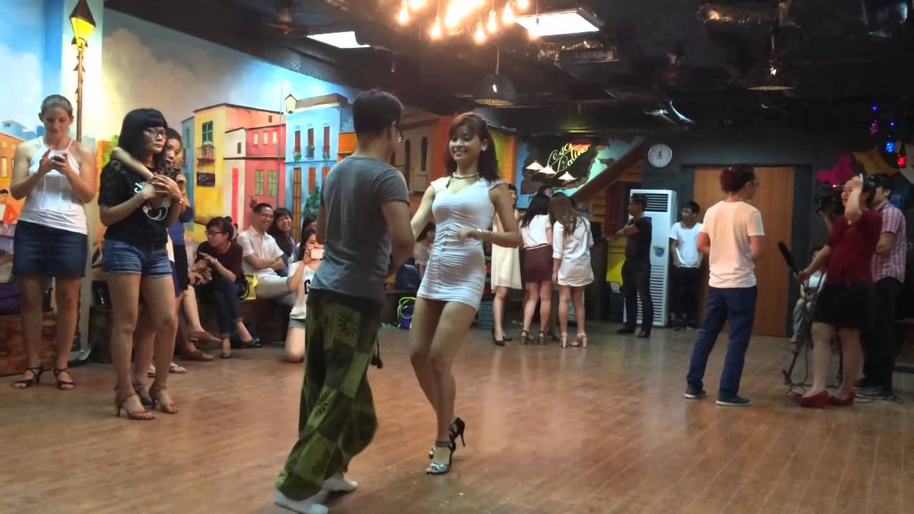 Beso Latino Dance Studio 7th Floor, 141 Ba Trieu Str, HN   Salsa Basic Class