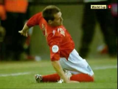 Michael Owen injury: England Vs Sweden 20.06.2006