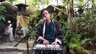 AIRPLANE - BAGUS BHASKARA ( LIVE AT BALI OPEN MIC )