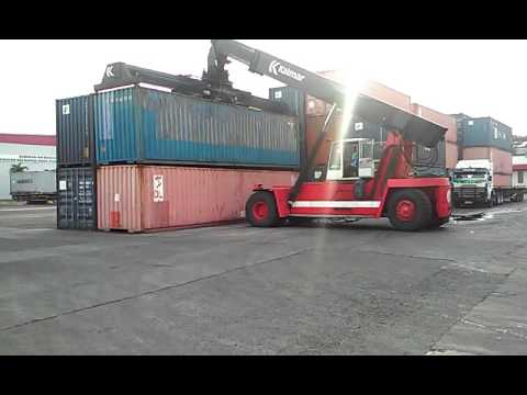 Loading Coutainer 40 fit kalmar crane