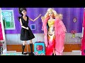 Magic Barbie Doll Save Barbie Girl Dress up Party from Barbie Travel Case Disaster!