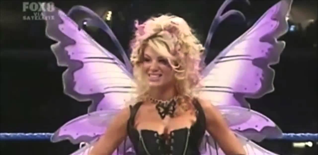 wwe friday night smackdown 10272006 divas halloween trick or treat battle royal youtube - Wwe Halloween Divas