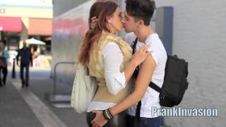 Repeat youtube video Kissing a Hot Cougar / MILF