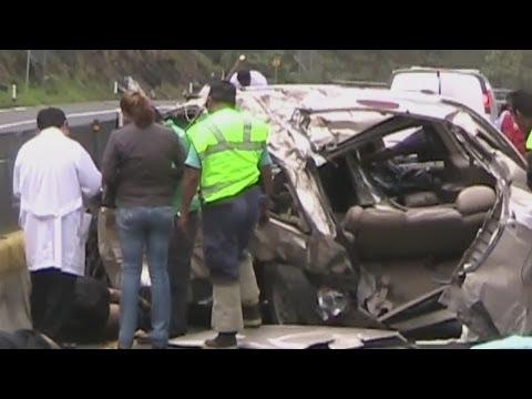 México: autos seguros para los extranjeros e inseguros para los mexicanos -- Noticiero Univisión