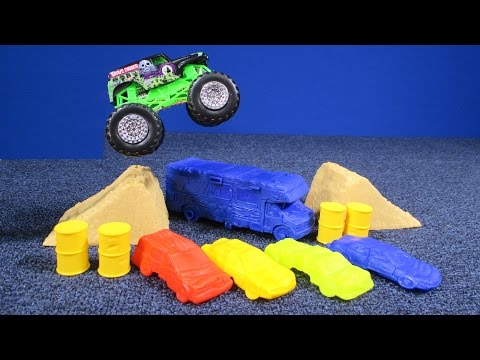 Monster Jam Crash & Carry Arena Playset From Hot Wheels Review By RaceGrooves