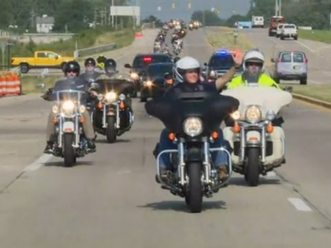 Raw: Mike Pence Rides a Harley Across Indiana