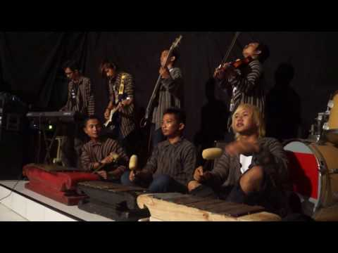Bon Jovi - It's My Life (Cover By Tata Naluri Ethnic Project)