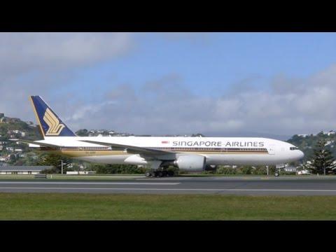 Singapore Airlines 777-212ER 9V-SRM Capital Express service landing in Wellington