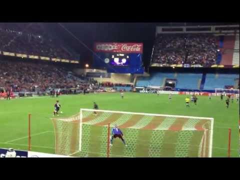 Atletico de Madrid - Valencia (Golazo de Falcao y locura en el Frente Atlético)