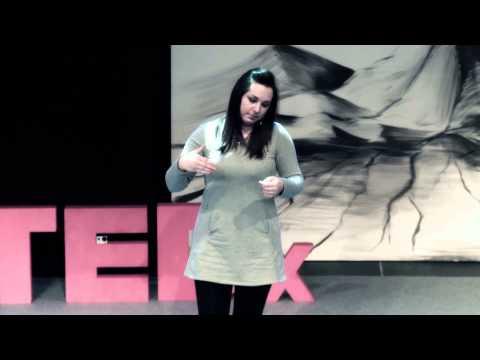 Praca nad własnym głosem może pomóc w głębszym poznaniu Siebie... : Ania Sokołek at TEDxCzwartekHill