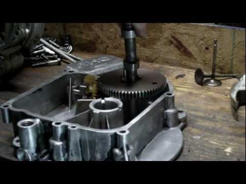 How Splash Lubrication (Oil Slinger) Works in Briggs and Stratton Vertical Shaft Engines