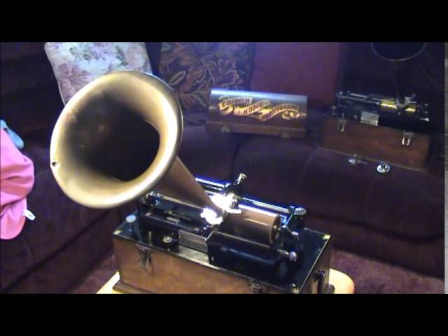 1898 Edison Suitcase Home Phonograph Playing 1898 Brown Wax Cylinder - Michael Casey