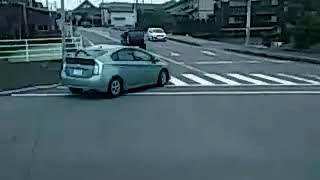佐賀空港からリムジンバスで袋入口を通り、佐賀県立博物館前まで進みま...