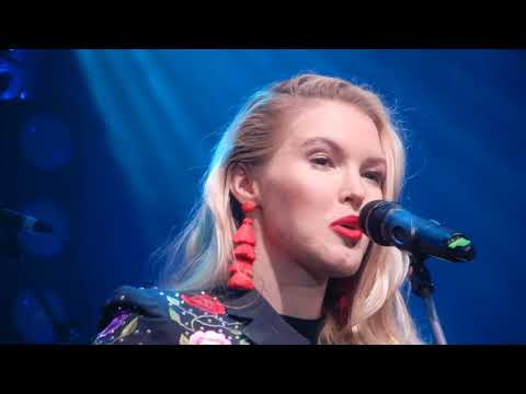 Ashley Campbell Live at the C2C 2018 Radio 2 Lounge -Remembering