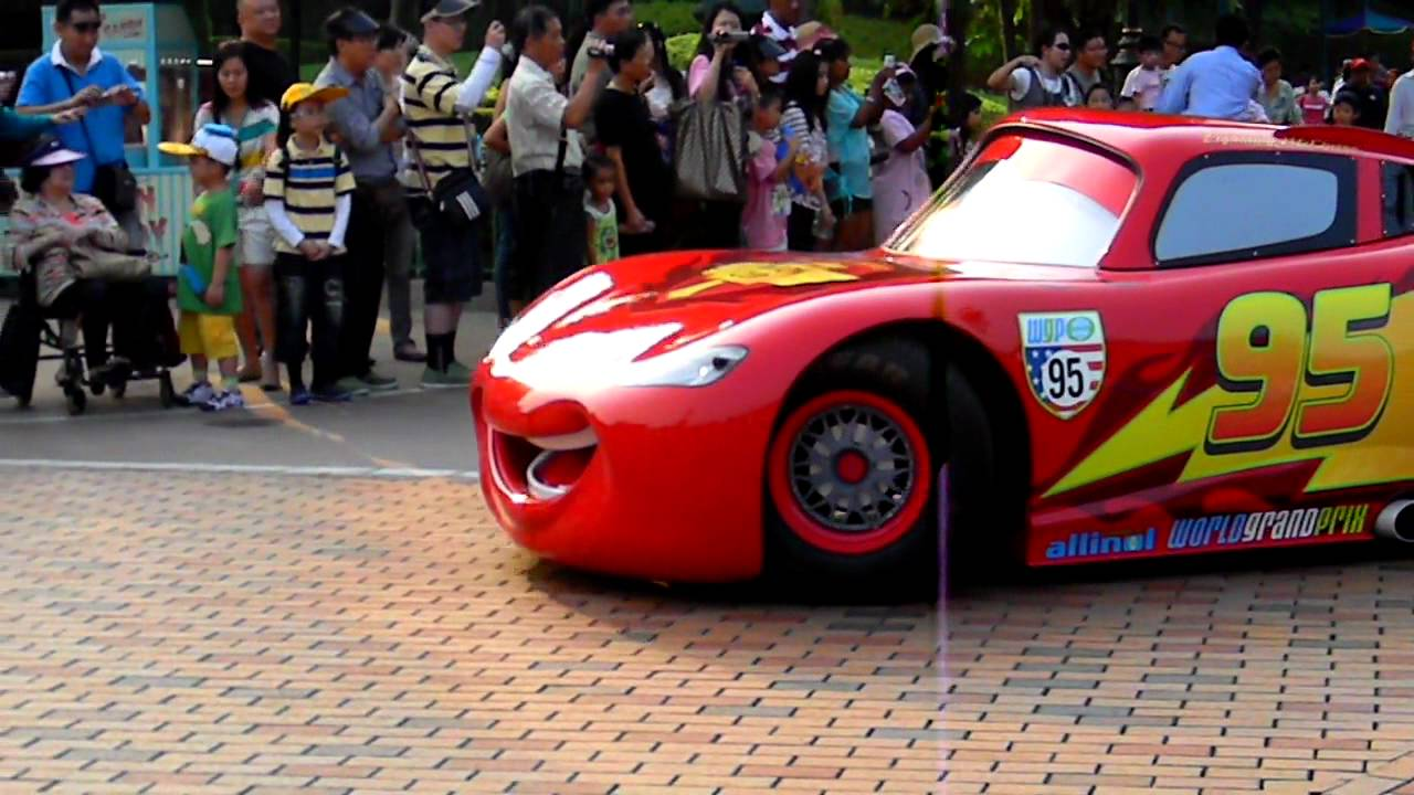 The Real Lightning Mcqueen Live In Hong Kong Disneyland Youtube