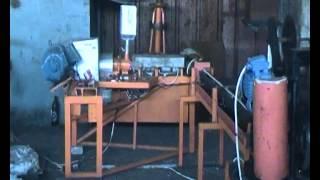 экструдер покрытие проволоки пластиком для сетки рабица ПВХ,нанесение пластмассы на проволоку(Экструдер для нанесения ПВХ покрытия на проволоку для сетки рабицы. Покрытие проволоки пластиком. Оборудов..., 2015-07-16T20:09:33.000Z)