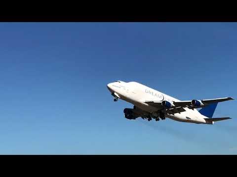 ドリームリフターの離陸@ボーイング・エバレット工場 /  Boeing Dreamlifter Landing@Everett Factory